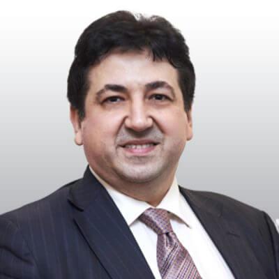 Григорий Чораян - вице-президент по Восточной Европе и Таджикистану, специализирующийся на отношениях с инвесторами